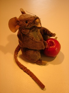 Mouse and Apple