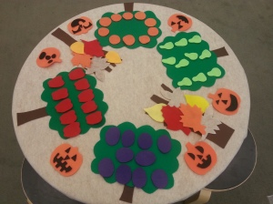 wpid-felt-table-fall-with-pumpkins.jpg.jpeg